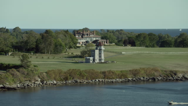 stockvideo's en b-roll-footage met hammersmith farm in newport rhode island - jacqueline kennedy