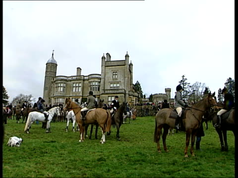 hampshire: ext two hunt riders taking drinks from tray and wishing 'happy christmas' sot huntswoman comments sot 'very cheerful' cms huntsman... - foxhound stock videos & royalty-free footage