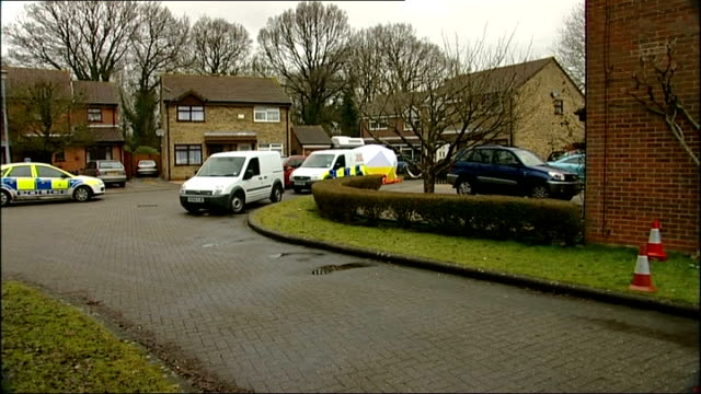 vídeos de stock e filmes b-roll de southampton: totton: ext police vehicles parked in close forensic officer in white overalls along - hampshire