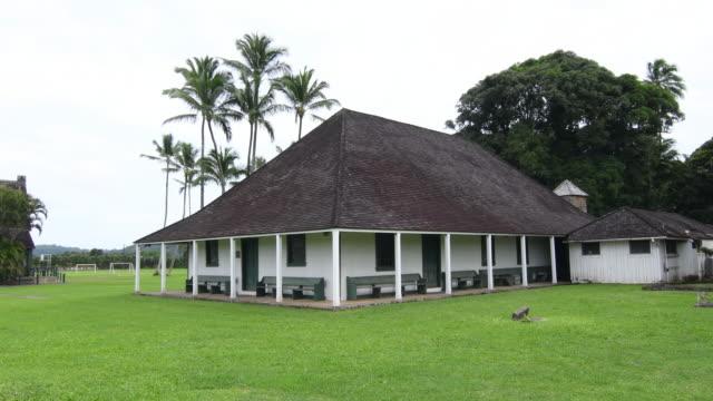 hanalei kauai hawaii waioli mission house 1841 oldest standing church in kauai tourist attraction landmark 4k - 顕花植物点の映像素材/bロール