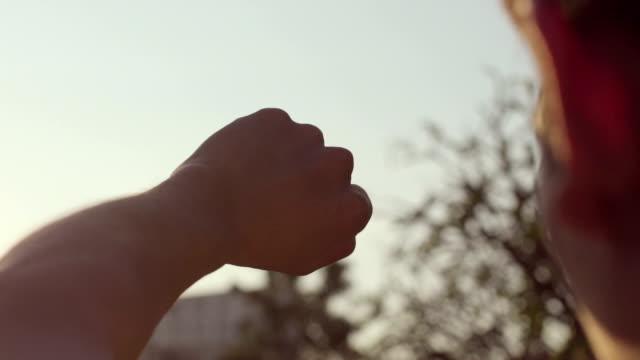 Hand die Sonne fangen