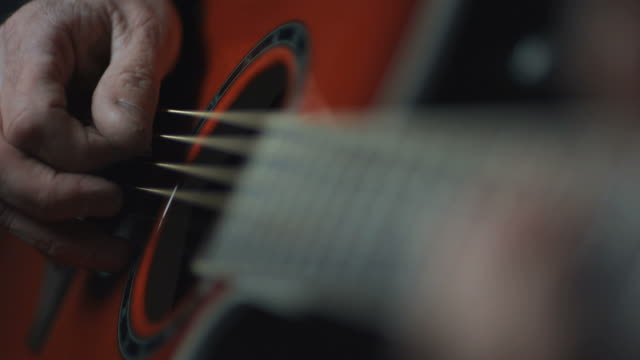 cu slo mo hand changing chords / manchester, united kingdom   - string instrument stock videos and b-roll footage