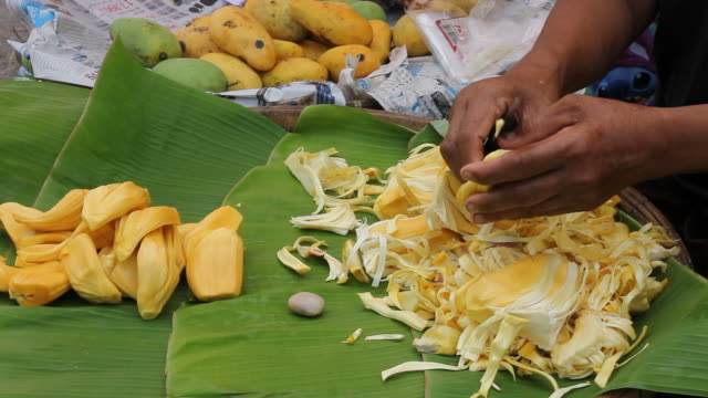 Hand knives with jackfruit seeds.