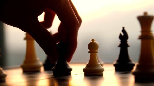 ハンド移動チェスゲーム - チェス点の映像素材/bロール