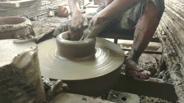 hand sculpture pottery - mud stock videos & royalty-free footage