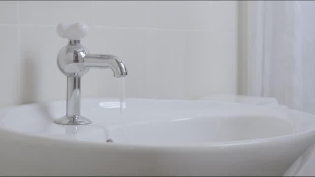 Hand Turn Water Tap