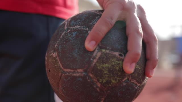 vidéos et rushes de ballon de handball - balle ou ballon
