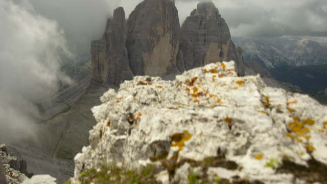 handheld camera in movement, the three peaks - tre cimo di lavaredo stock videos & royalty-free footage