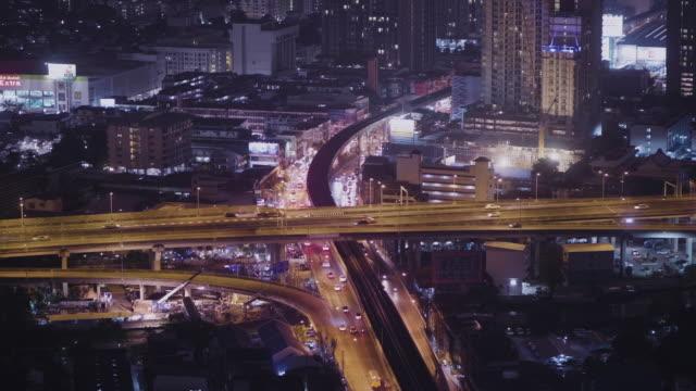 handheld-stadtverkehr - oberteil stock-videos und b-roll-filmmaterial