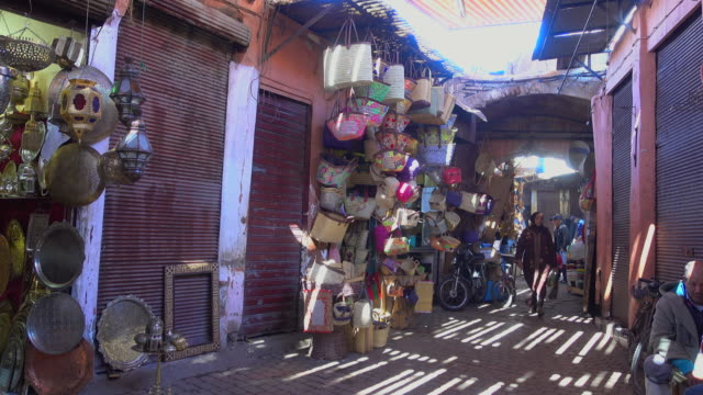 handicraft at a marrakesh souk - tradition stock videos & royalty-free footage