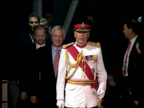 handover events een itn hong kong convention centre gv crowds in hall for handover ceremony general sir charles guthrie leads british delegation of... - 式典点の映像素材/bロール
