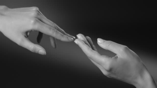 stockvideo's en b-roll-footage met handen. armbeweging. touch. - handpalm