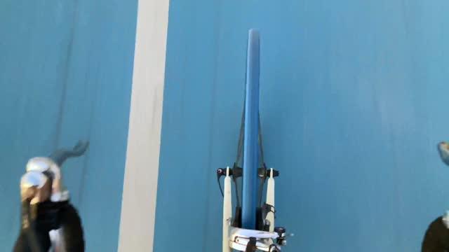 vídeos y material grabado en eventos de stock de ciclismo manos libres en carril bici - bicicleta vintage