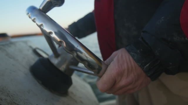hands on motorboat wheel - motorboot stock-videos und b-roll-filmmaterial