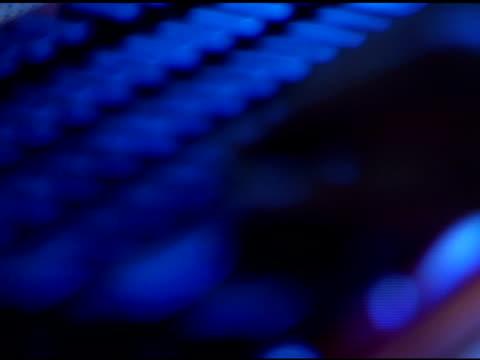 hands typing on computer keyboard - getönt stock-videos und b-roll-filmmaterial