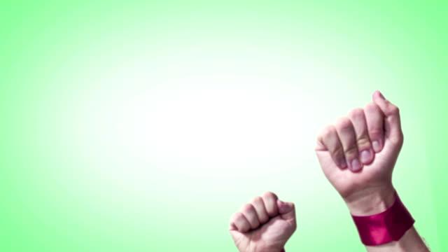 vídeos y material grabado en eventos de stock de manos de luchar por sus derechos - puño gesticular