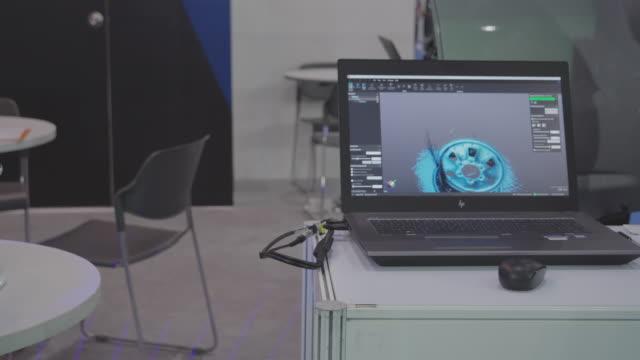 handy scan 3d professional metrology-grade 3d-skannrar. - exakthet bildbanksvideor och videomaterial från bakom kulisserna