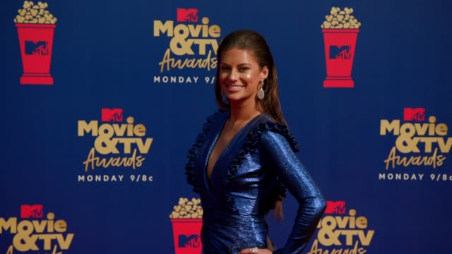 hannah stocking at the 2019 mtv movie tv awards at barkar hangar on june 15 2019 in santa monica california - mtv movie & tv awards stock videos & royalty-free footage