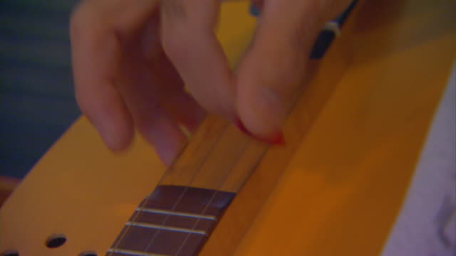 hannibal, missouriplaying a dulcimer - musical instrument string stock videos and b-roll footage