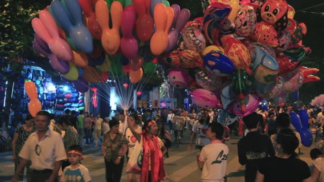 hanoi balloons - vendere video stock e b–roll