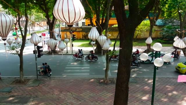 stockvideo's en b-roll-footage met hanoi verkeersopstopping in het stadscentrum van de - vietnam
