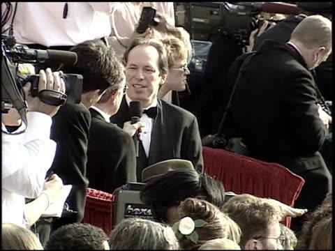 vídeos de stock e filmes b-roll de hans zimmer at the 2001 academy awards at the shrine auditorium in los angeles california on march 25 2001 - 73.ª edição da cerimónia dos óscares
