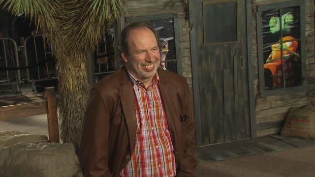 vídeos de stock, filmes e b-roll de hans zimmer at the 'rango' premiere at westwood ca - westwood