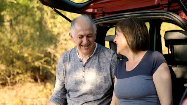 happy active senior couple - coppia di età matura video stock e b–roll
