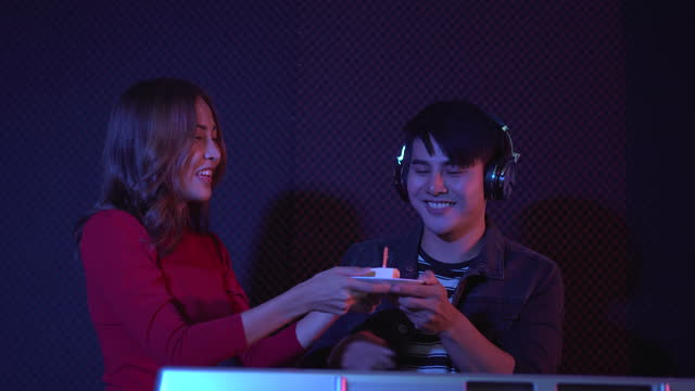 vídeos de stock e filmes b-roll de happy birthday celebration. - soprar