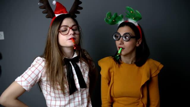 vidéos et rushes de bonne célébration danse geeks - costume