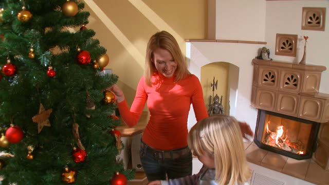 HD CRANE: Happy Christmas