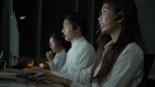 happy customer operators at work in office - employee engagement stock videos & royalty-free footage