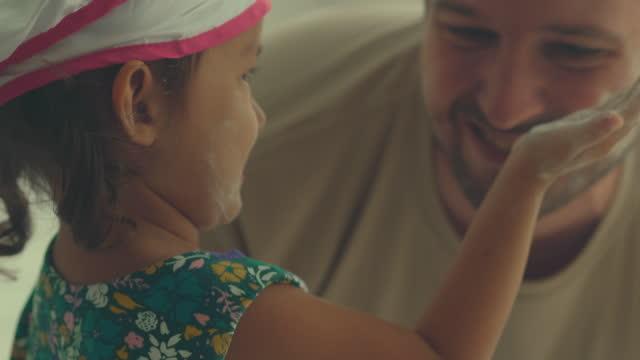 vídeos y material grabado en eventos de stock de happy family - familia con un hijo