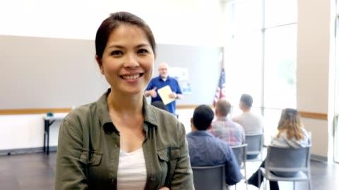 stockvideo's en b-roll-footage met gelukkige vrouwelijke militaire rekruut - military recruit