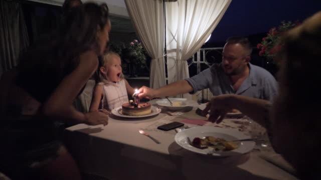 vídeos de stock e filmes b-roll de happy first birthday junior! be happy! - aniversário especial