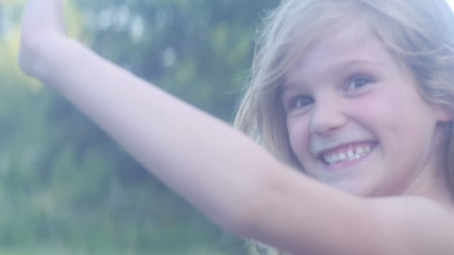 stockvideo's en b-roll-footage met happy kids - alleen kinderen
