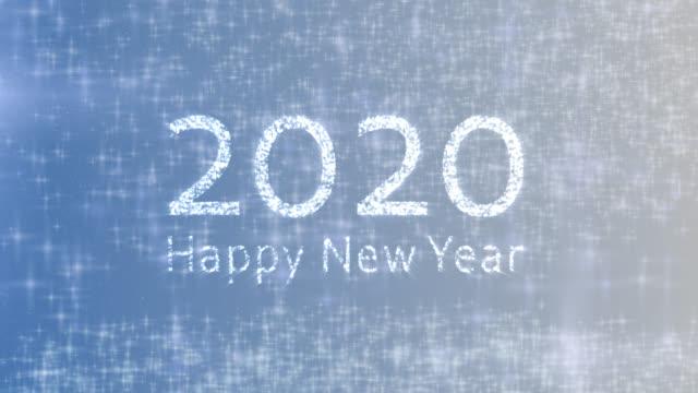 vídeos de stock, filmes e b-roll de 2020 feliz ano novo celebração fundo azul - dia do ano novo