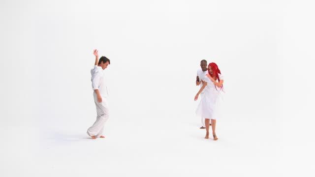 HD :幸せな人々のダンス
