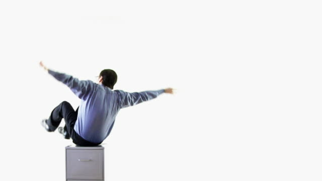 stockvideo's en b-roll-footage met happy spinning businessman .. - overhemd en stropdas