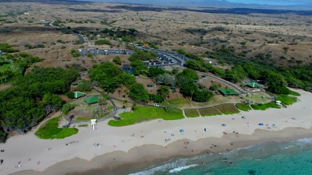 vídeos de stock, filmes e b-roll de hapuna beach - usa
