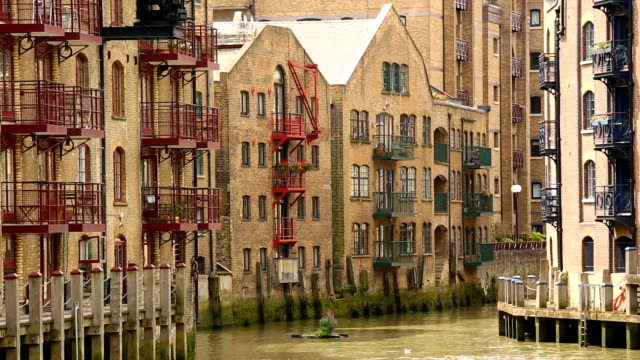 harbor district with apartments london - loft apartment stock videos & royalty-free footage