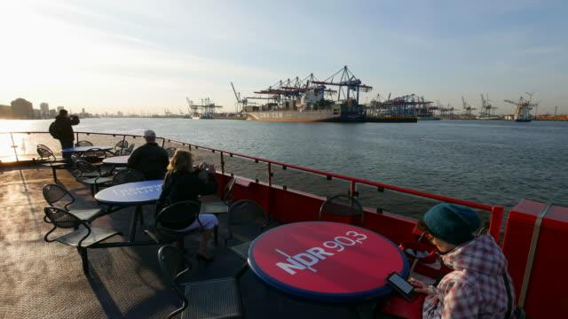harbor ferry on elbe river, harbor of hamburg, hamburg, germany - fähre stock-videos und b-roll-filmmaterial