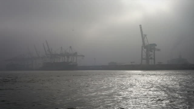stockvideo's en b-roll-footage met harbor hamburg - haven
