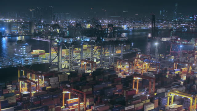 T/L WS HA ZO Harbor with cargo containers / Hong Kong, China