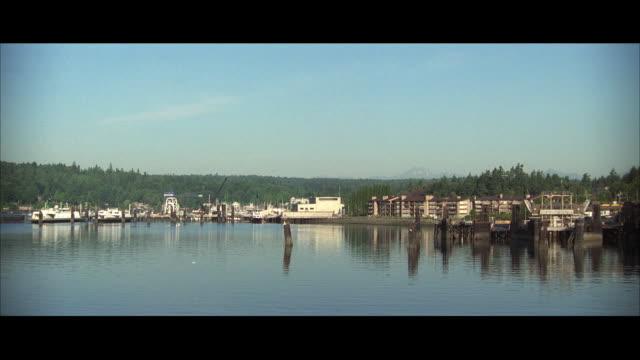 WS POV Harbor with houses along shoreline