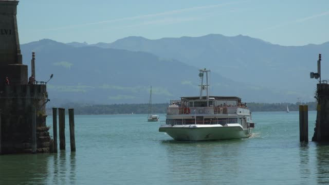 Harbour Entrance with Lighthouse and Lion Statue, Lindau, Lake Constance, Swabia, Bavaria, Germany
