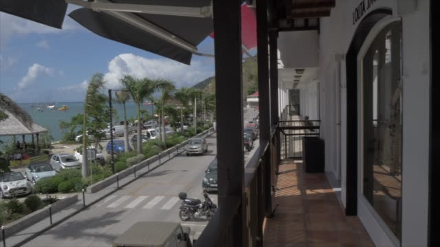 stockvideo's en b-roll-footage met harbour from shopping mall, gustavia, st. barthelemy (st. barts) (st. barth), west indies, caribbean, central america - french overseas territory