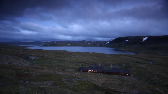 stockvideo's en b-roll-footage met hardangervidda - ver