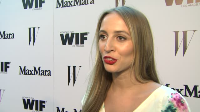 vídeos de stock e filmes b-roll de harley viera-newton on what brings her out, why she loves max mara & the importance of supporting women in film at the max mara and w magazine... - rose byrne