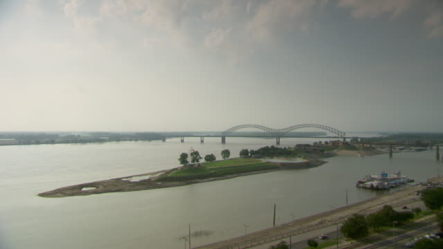 ws harnando de soto bridge on river / memphis, tennessee, united states - memphis tennessee stock videos and b-roll footage